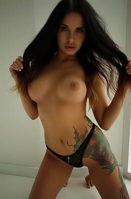 ElinaQ Naked Girl Sex Gallery