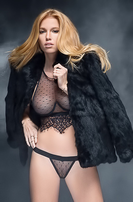 Nackt Elizabeth Mcdonald  Celebrity Nude